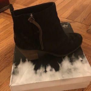 DV Joust Bootie in Black- Just like new